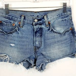 Womens Levi 501 denim distressed shorts size 27s